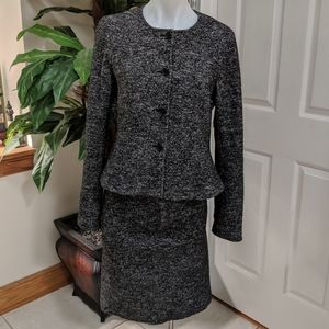Ann Taylor Women's Wool Suit Size 6 Jacket/Skirt